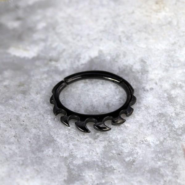 Ovaler Clicker mit Flammen Schwarz