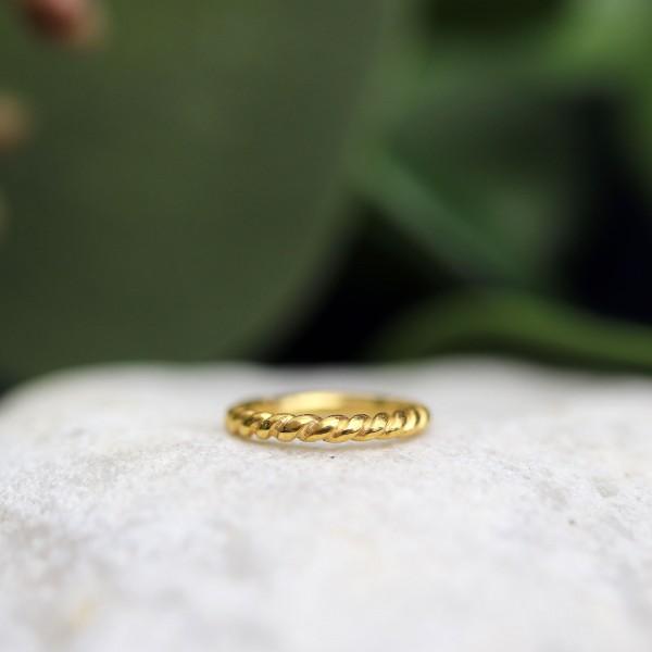 Gekordelter Clickring 24K. Gold